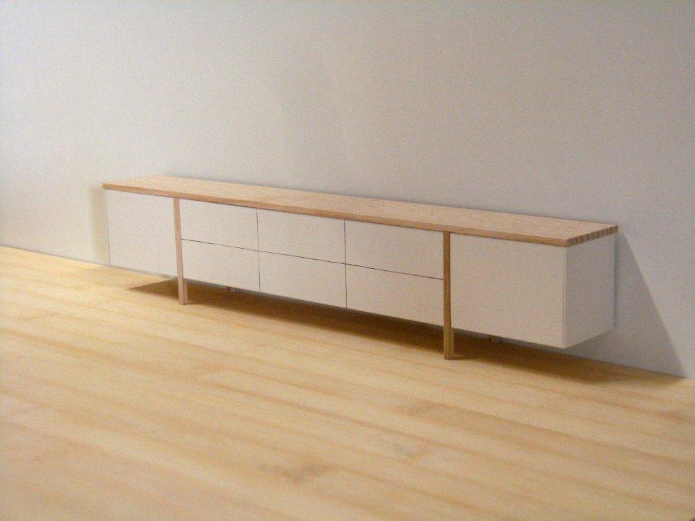 Dressoir in essen en wit kalander meubelmakerij voor meubels op