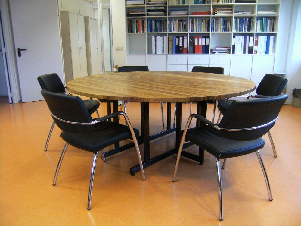 Grote keukentafel finest een kookeiland met tafel is for Keukentafel en stoelen